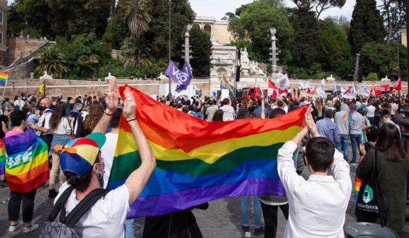 Ungaria adoptă legea care interzice conținutul LGBT în școli și la TV, pentru tinerii sub 18 ani