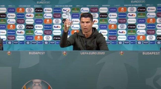 Reacția Coca-Cola după ce Ronaldo a luat sticlele de suc de pe masă și le-a recomandat oamenilor să bea apă