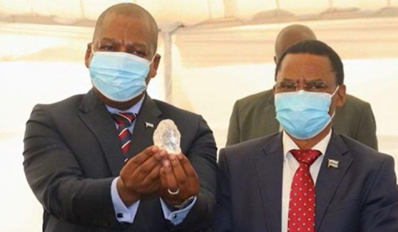 Un diamant de peste 1000 de carate a fost descoperit în Botswana. Este al treilea cel mai mare diamant de calitate prețioasă din lume
