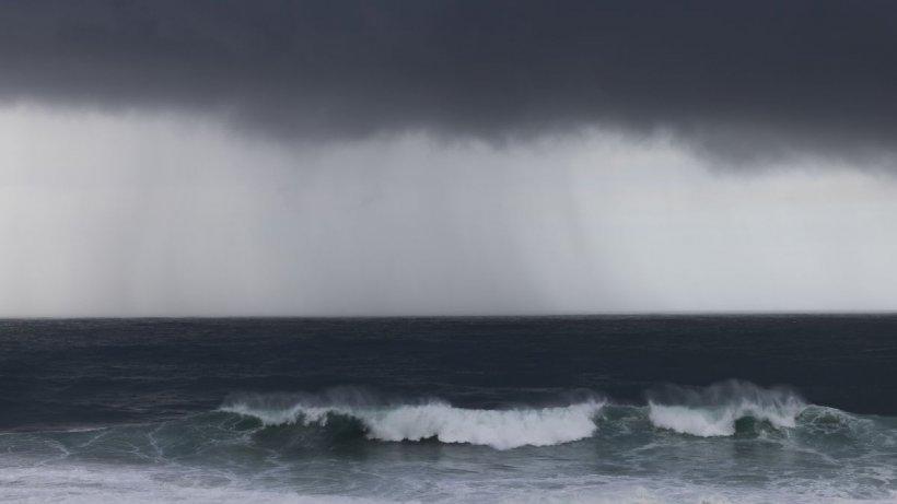 România, lovită de un ciclon din Marea Neagră. Zonele afectate de furtuni și vânt puternic