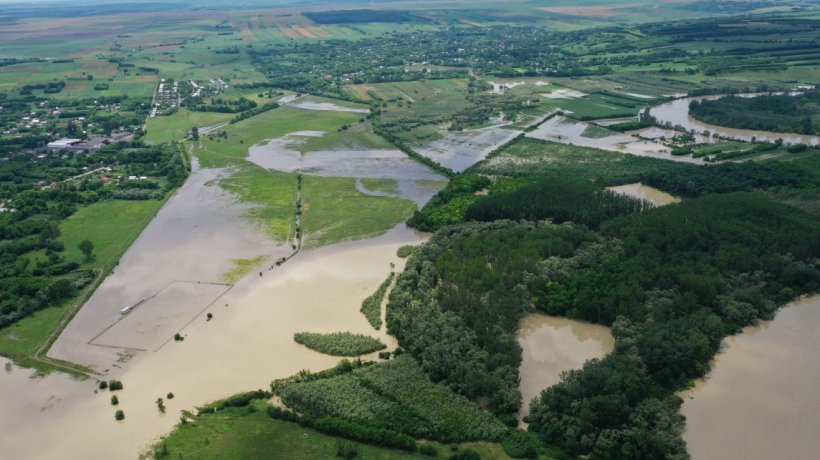 Efectele fenomenelor extreme din România! Problemele cauzate de ploi în 16 judeţe ale ţării