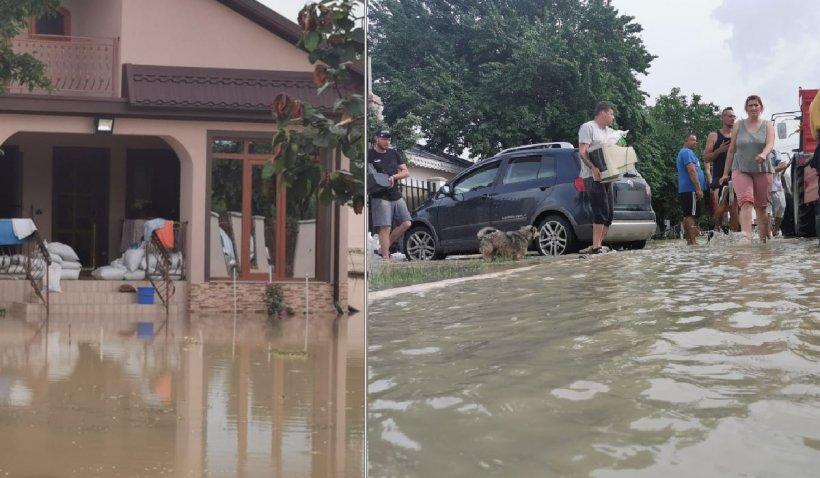 """Comune spulberate de ape. Apelul disperat al localnicilor pentru Guvern: """"Am rămas precum câinii, în apa asta. Totul este distrus"""""""