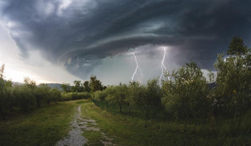 """Efect de saună în România din cauza vijeliior și caniculei. Specialist ANM: """"Vom resimți disconfort termic accentuat"""""""