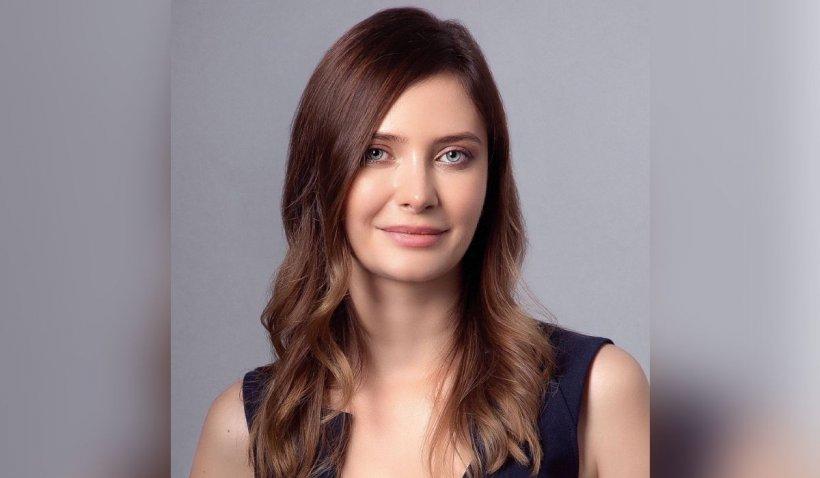 Alexandra Dines, soția celui mai bogat român: Îmi doresc să particip activ la bunăstarea şi creşterea societăţii româneşti