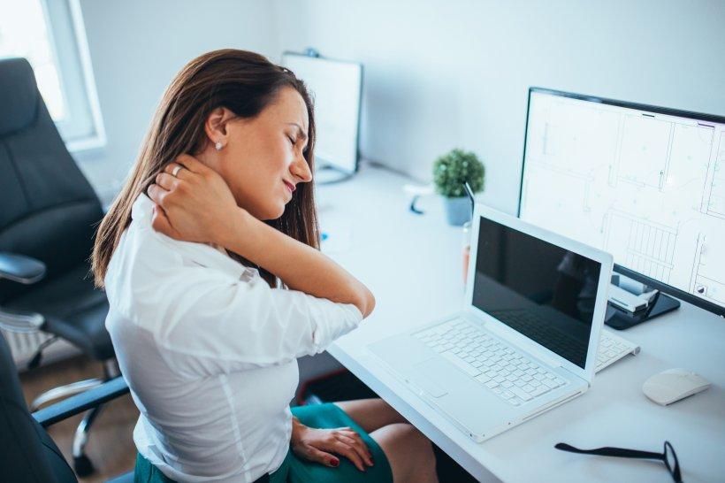 Beneficiile unei posturi corecte, care alungă durerea și reglează respirația