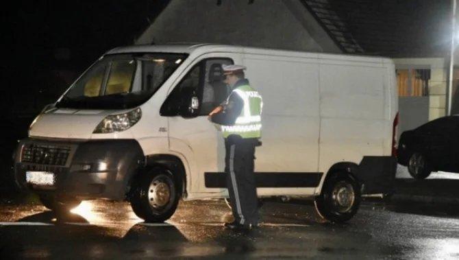 Român arestat de polițiștii nemți după ce a aruncat din microbuz zece pasageri înainte de stația finală
