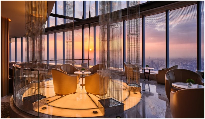 Așa arată cel mai înalt hotel din lume, proaspăt inaugurat în Shangai