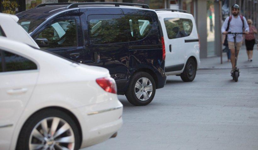 Maşinile parcate neregulamentar în Sectorul 1 nu vor fi ridicate. Consilierii locali PNL au refuzat să votezeproiectul lui Clotilde Armand