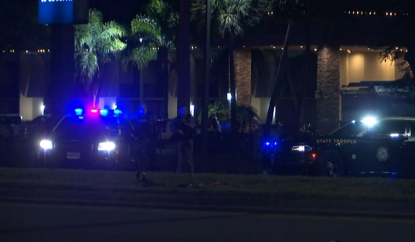 Un polițist, împușcat în cap de un suspect în timpul arestării, în Florida. Imagini cu impact emoțional