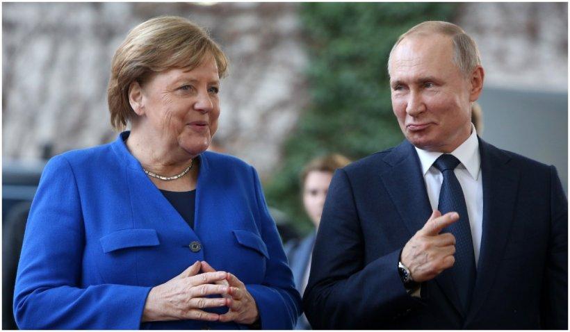 Putin susține consolidarea dialogului cu UE propus de Merkel și Macron