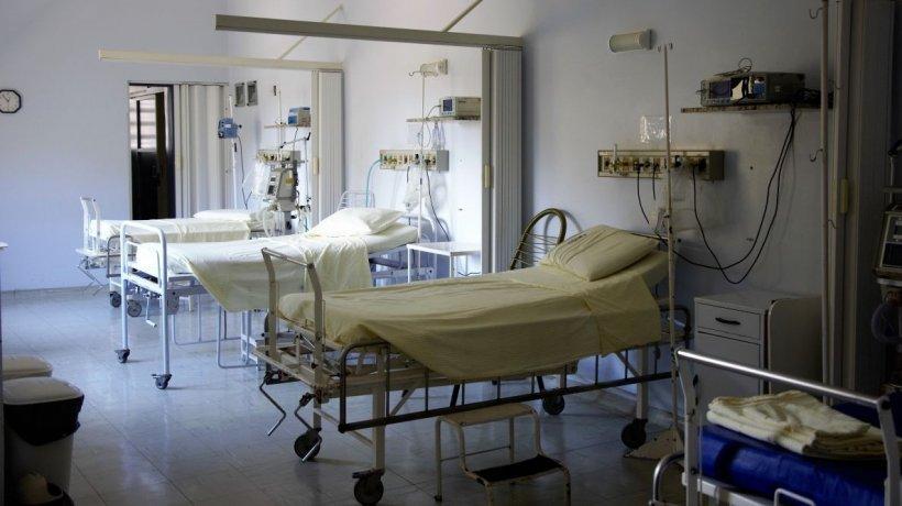 O pacientă a Spitalului Corabia s-a sinucis. Femeia tocmai suferise un atac cerebral și s-a aruncat de la etaj