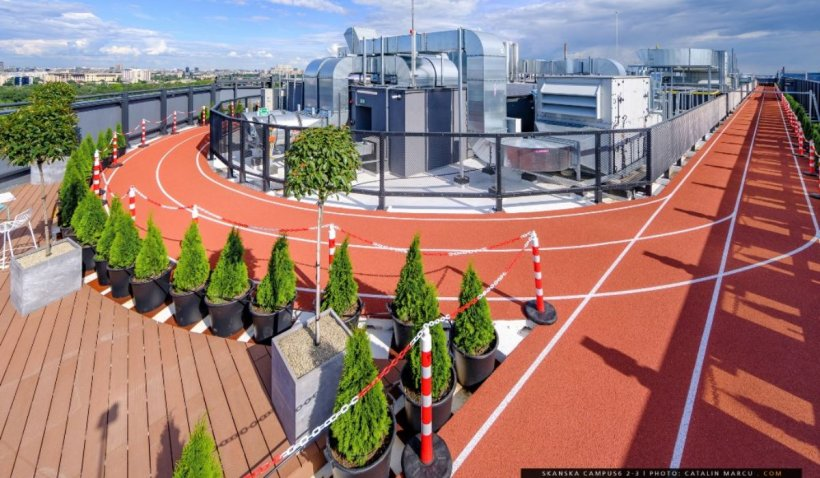Pistă de alergare pe acoperișul unui clădiri din București. Proiect unic în România