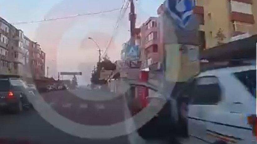 """Răzbunarea polițiștilor pe un șofer care le-a atras atenția că au parcat neregulamentar: """"Un control de rutină!"""""""