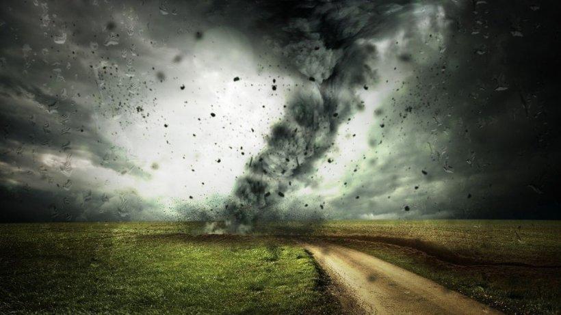 """România, în pericol de a fi lovită de o tornadă. Meteorolog: """"Se îndeplinesc condițiile pentru realizarea fenomenelor extreme!"""""""