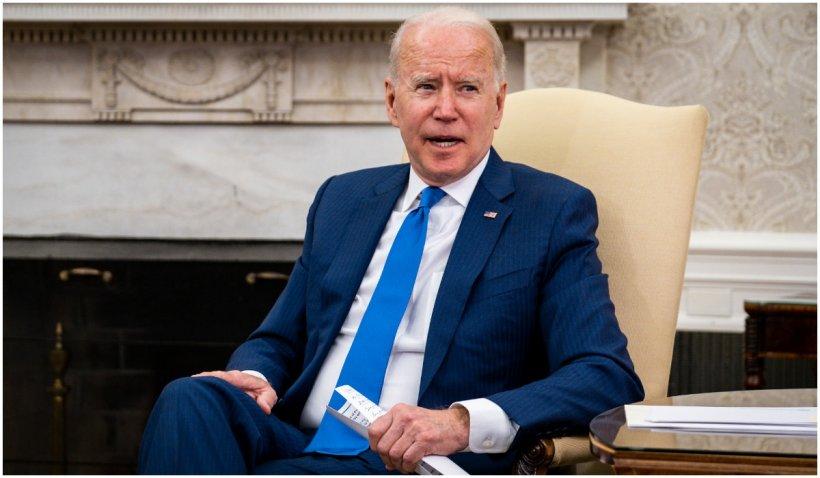 """Joe Biden consideră """"adecvată"""" sentinţa pronunţată împotriva fostului poliţist Derek Chauvin"""