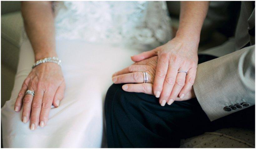 Un bărbat din SUA, cu Alzheimer, a uitat că este căsătorit și s-a îndrăgostit, din nou, de soția sa