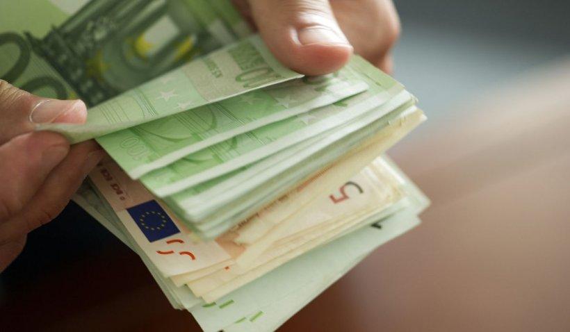 Euro se apropie de 5 lei. Ne așteaptă alt val de scumpiri