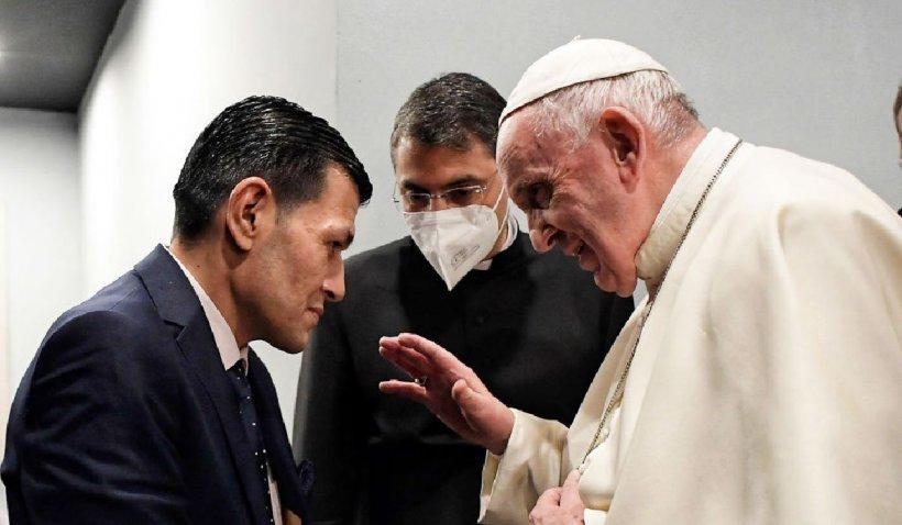 """Papa Francis încurajează un pastor în activitatea sa pro-LGBTI: """"Vreau să vă mulţumesc"""""""