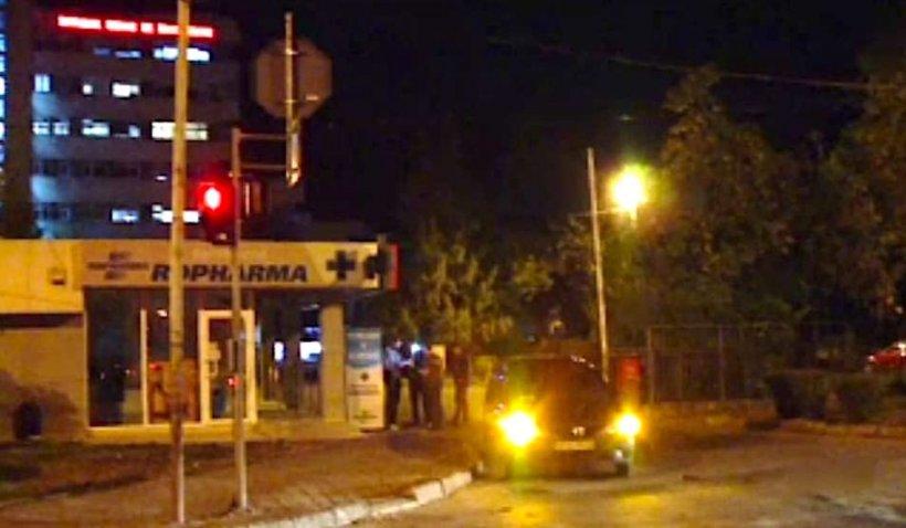 Un șofer beat din Vaslui a dat cu mașina peste 2 polițiști. Cei doi agenți au ajuns la spital