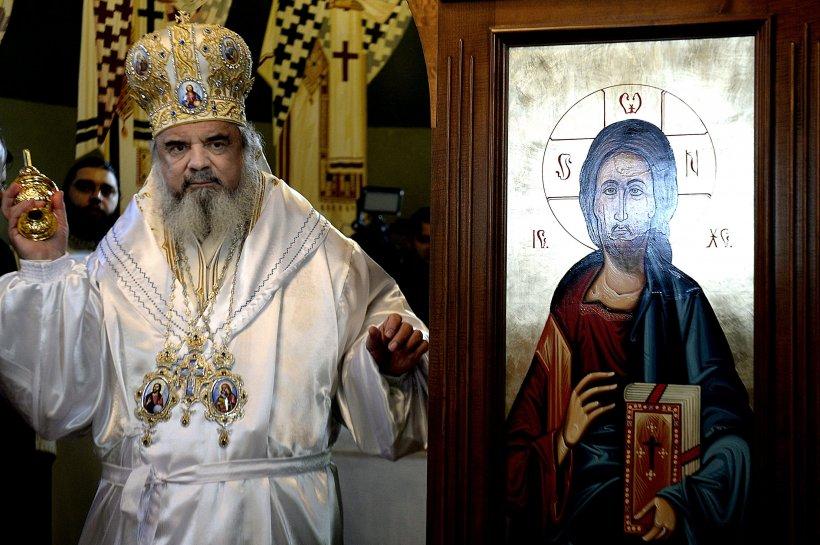"""Patriarhul Daniel, despre rețelele sociale: """"Să le folosim cu discernământ și responsabilitate!"""""""