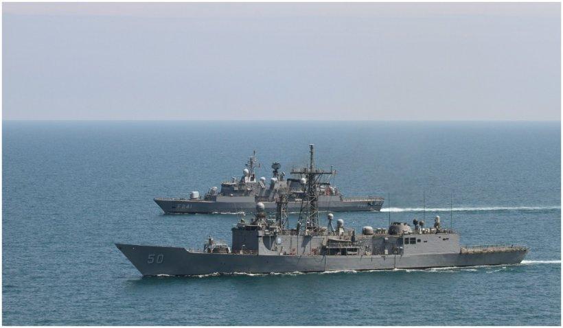 Rusia răspunde la acuzațiile ca avioanele ei militare ar fi hărțuit o fregată olandeză