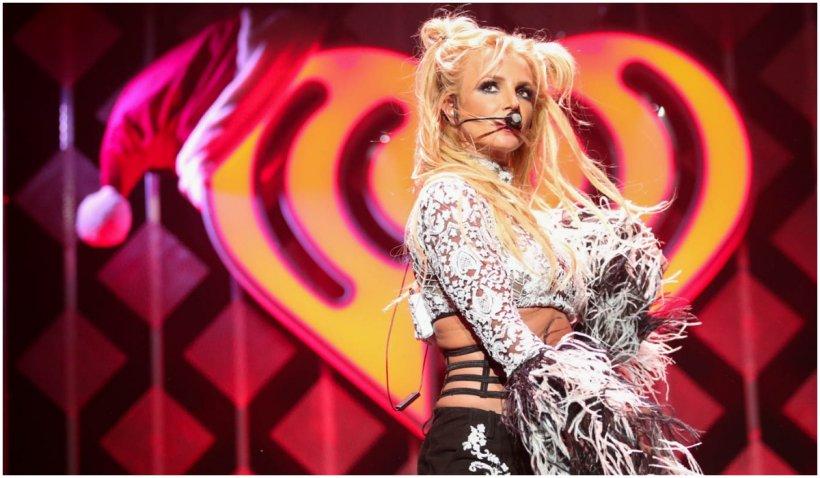Un judecător a respins cererea cântăreţei Britney Spears de a-l înlătura pe tatăl ei din rolul de co-tutore