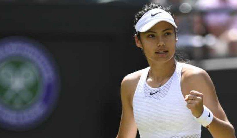 Emma Răducanu, surpriza turneului de la Wimbledon care a câştigat respectul britanicilor