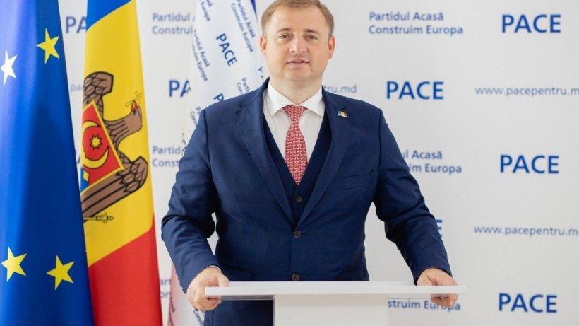 """Politicianul moldovean Gheorghe Cavcaliuc, reţinut pe Aeroportul din Moscova: """"A fost dus într-o direcţie necunoscută"""""""