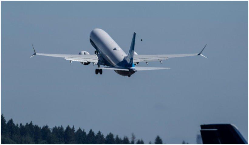 Comisia Europeană propune impozitarea combustibililor pentru aviație