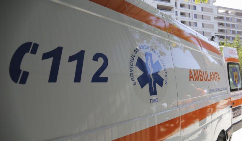 Un copil de 2 ani și 9 luni a supravieţuit după ce a căzut de la etajul 4, în Gorj