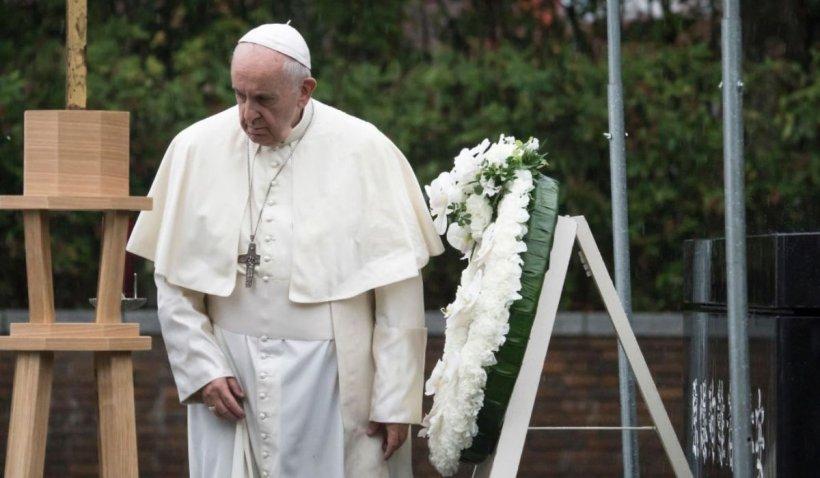"""Noi detalii despre starea de sănătate a Papei Francisc: A avut o îngustare """"severă"""" a colonului"""