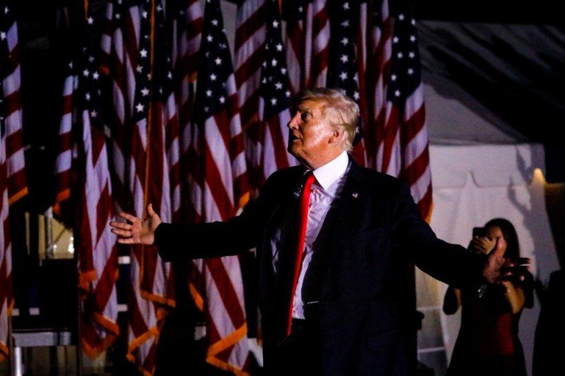 Trump, un nou război cu giganţii social media: Fostul preşedinte vrea să dea în judecată Facebook, Twitter şi Google