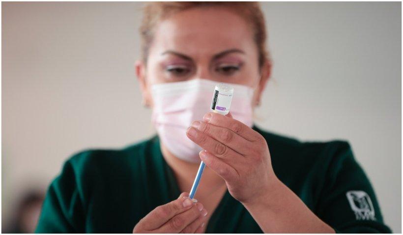 Grecia trece la vaccinarea obligatorie a anumitor categorii profesionale