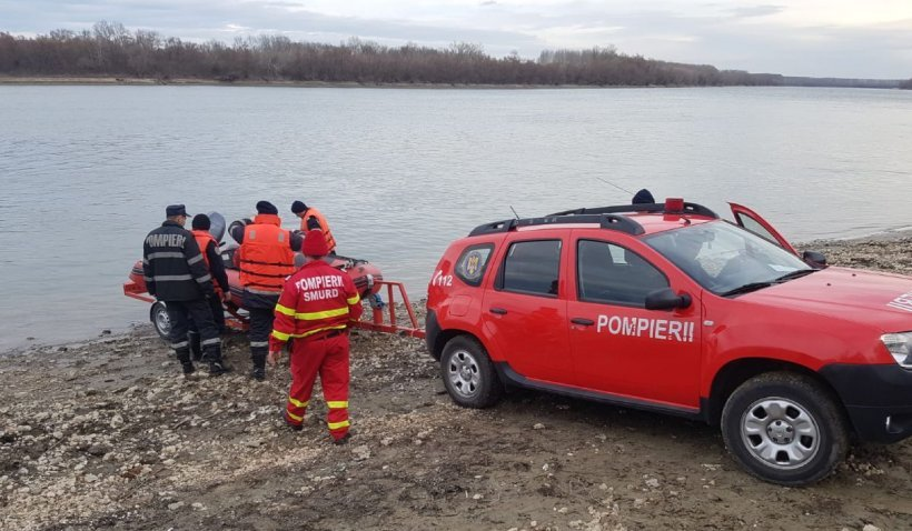 Un bărbat beat din Arad a murit după ce s-a aruncat în râu. A vrut să se răcorească, dar nu a mai ieșit la suprafață