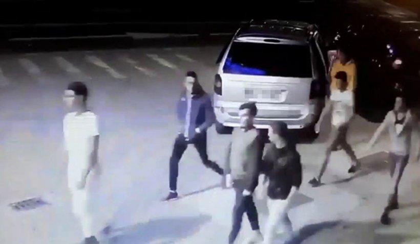 Bătaie cruntă între 2 găști de tineri din Vaslui, pornită de la o glumă făcută pe Facebook