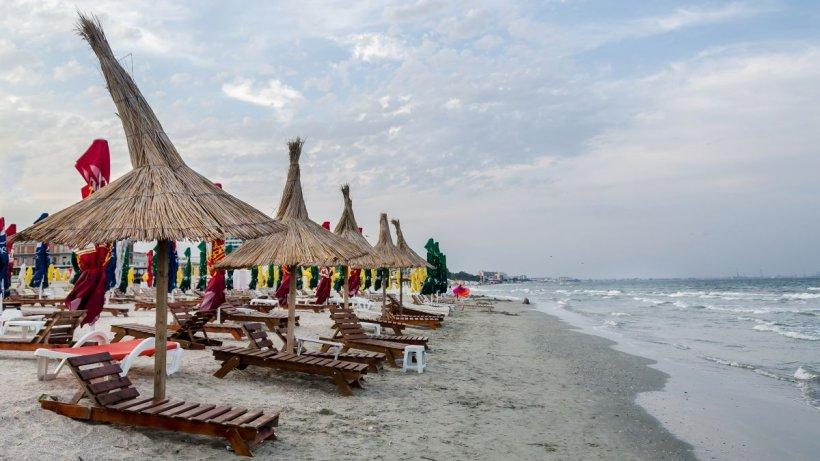 Cum a arătat cel mai aglomerat weekend pe litoral. 100.000 de turişti au împânzit plajele