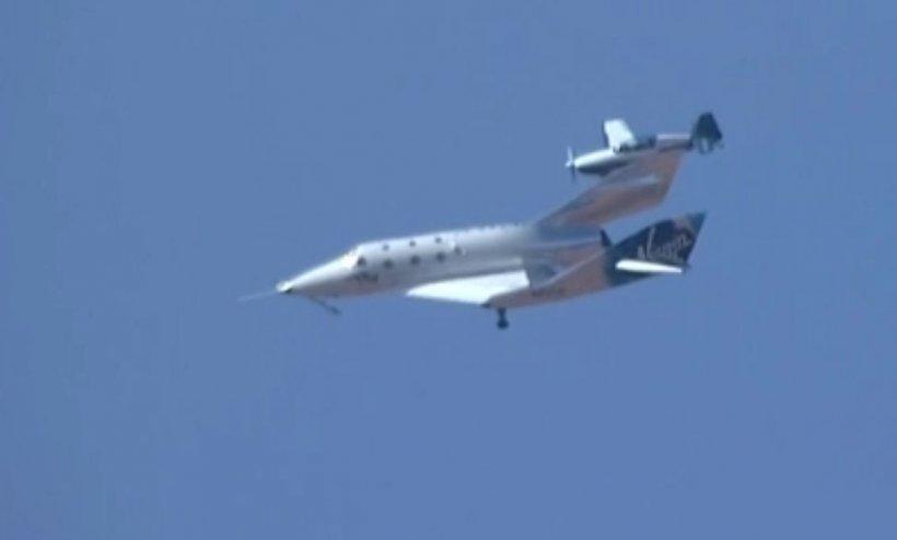 Richard Branson și echipajul său au revenit pe Pământ după un zbor cu succes la limita spațiului cosmic. Ei devin oficial astronauți