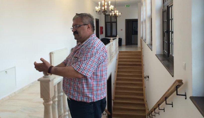 """Primar din Alba, sancționat cu tăiere din salariu, pentru contracte semnate """"din neatenție"""""""