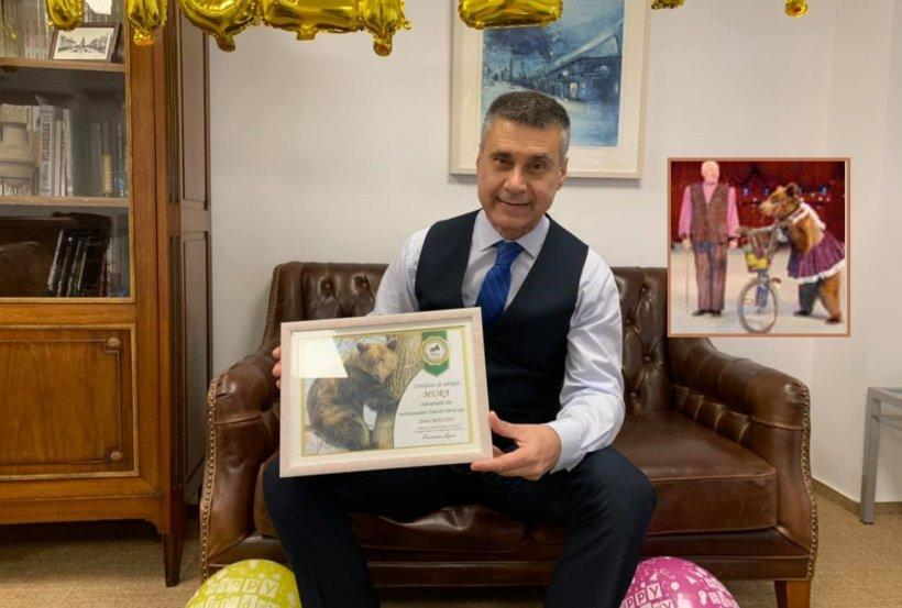 A murit Mura, ursoaica de la circ obligată să meargă pe bicicletă, dar care a fost salvată și adoptată de ambasadorul Israelului