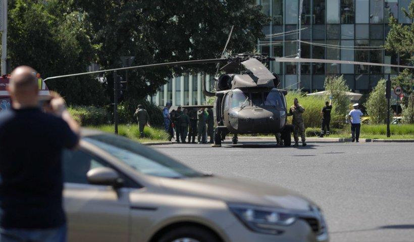 Cât costă şi ce performanţe are elicopterul militar Black Hawk, aterizat în sensul giratoriu de la Aviatorilor