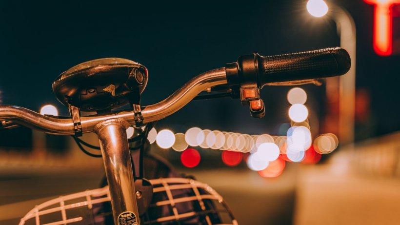 Mai multe femei din Capitală, agresate de un tânăr de 25 de ani, aflat pe bicicletă