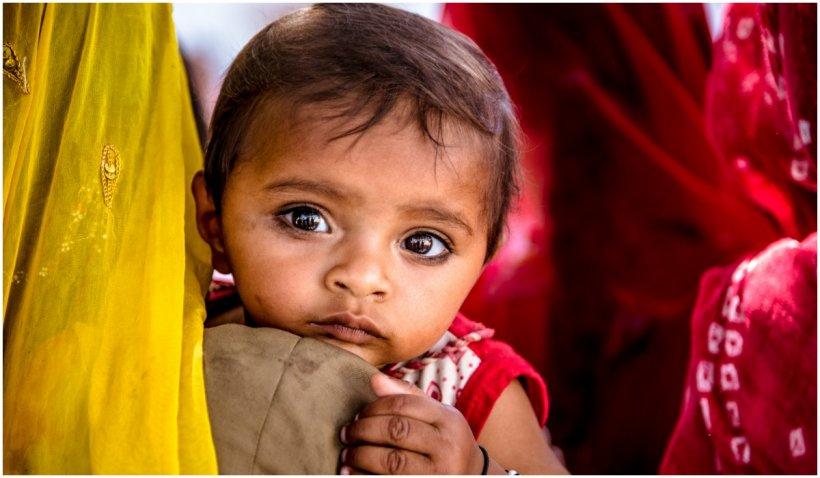 India vrea să introducă politica celor 2 copii, și să ofere stimulente pentru sterilizare