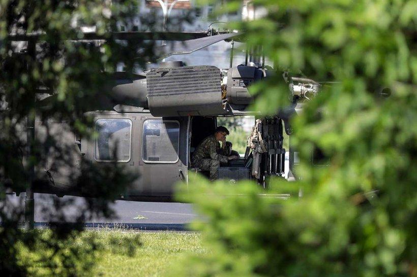 """Martor la aterizarea forțată a elicopterului militar: """"Mi-a fost teamă că va lovi clădirea! A atins solul destul de puternic!"""""""