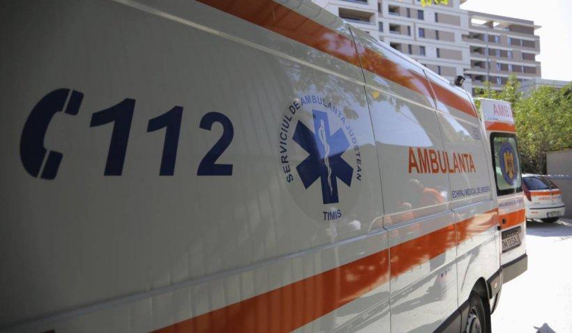 Copil de 2 ani, căzut de la fereastra bucătăriei apartamentului în care locuia cu părinții, în Suceava