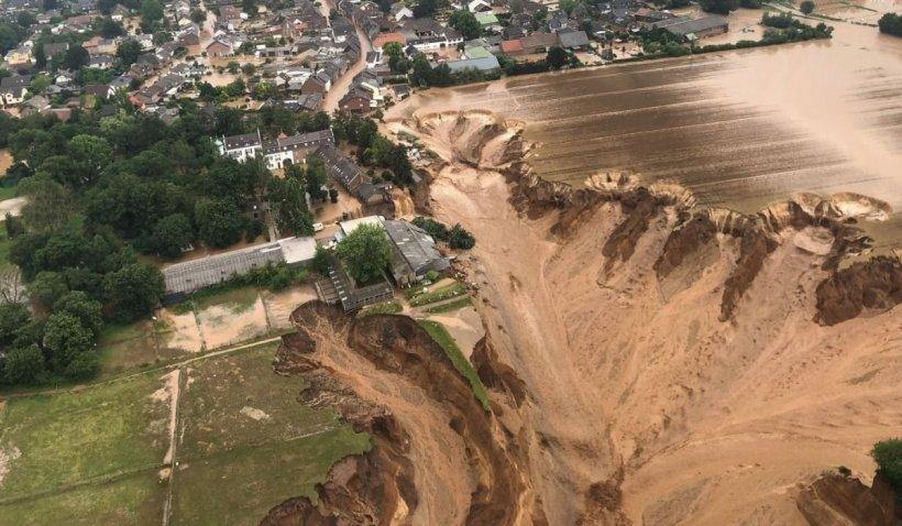 """Potopul devastator din Germania lasă în urmă 107 morți. Merkel se declară """"şocată"""""""