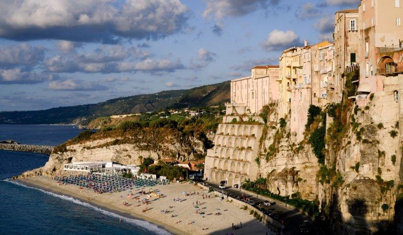 Autoritățile din Italia oferă până la 28.000 de euro persoanelor care vor să se mute în sate cu puțini locuitori