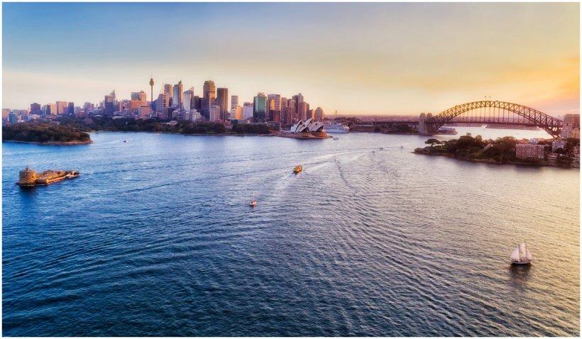 Măsurile de carantină au fost înăsprite la Sydney. La Los Angeles masca redevine obligatorie