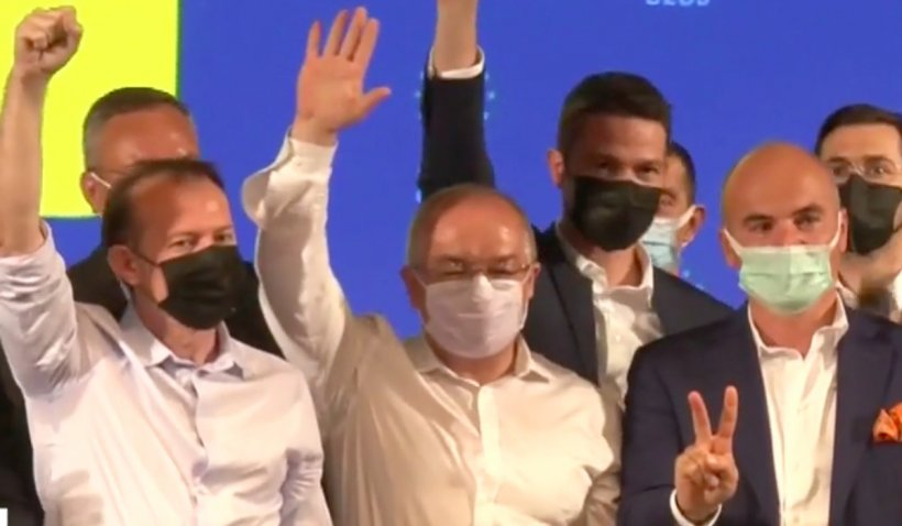 """Florin Cîțu și-a prezentat """"echipa câștigătoare"""" de față cu Orban: I-a chemat lângă el, pe scenă, pe liderii PNL"""