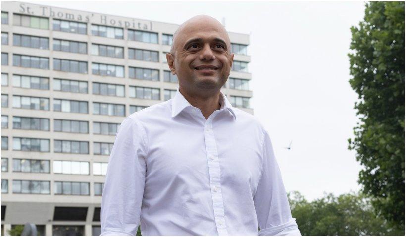 Ministrul britanic al Sănătății a fost testat pozitiv la COVID. El a făcut ambele doze de vaccin