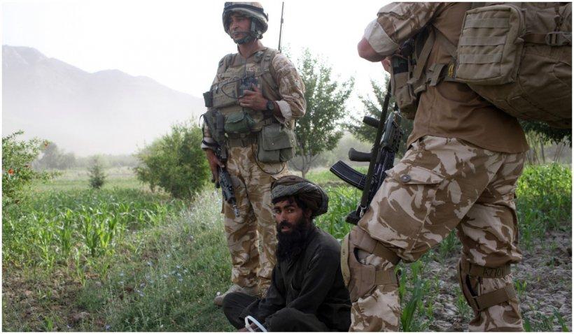 Talibanii controlează peste jumătate dintre districtele din Afganistan